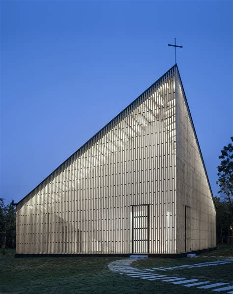 A Wood And Steel Structured Chapel With A Gentle Exterior
