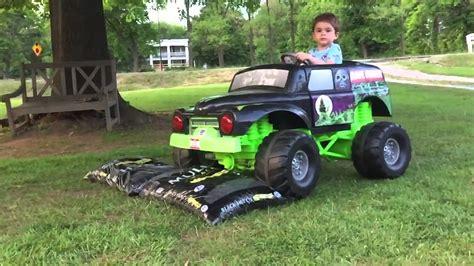 grave digger monster truck videos youtube grave digger power wheels monster truck action 12 volt