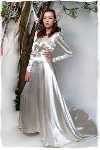 borrow wedding dress borrow that bridal look with 1930s wedding gowns wedding planning