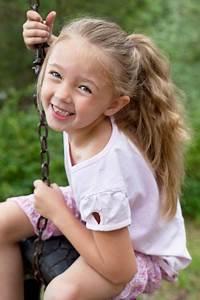 Coiffure Facile Pour Petite Fille : 13 tutos de coiffures faciles pour petites filles queue de t ~ Nature-et-papiers.com Idées de Décoration