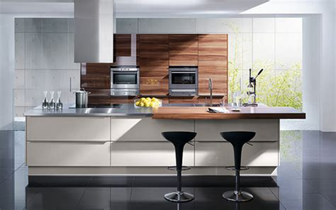 Modern Kitchen Layout Ideas With Wooden Kitchen Cabinetry