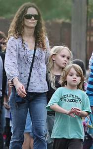 Vanessa Paradis takes kids to Disneyland – Moms & Babies ...