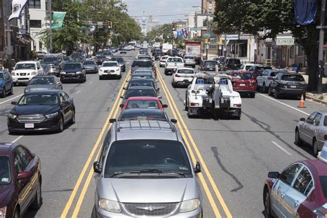 median parking on south broad street is dangerous and must