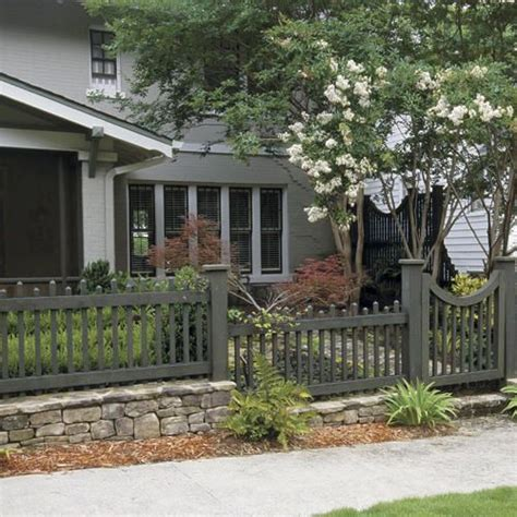 fences for yards how to choose the right fence picket fences fence ideas