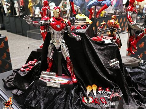 sdcc  hot toys marvel thor ragnarok iron man