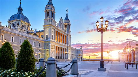 Lidojumi uz Madridi un atpakaļ sākot no 57 EUR | Brīvdienām.lv