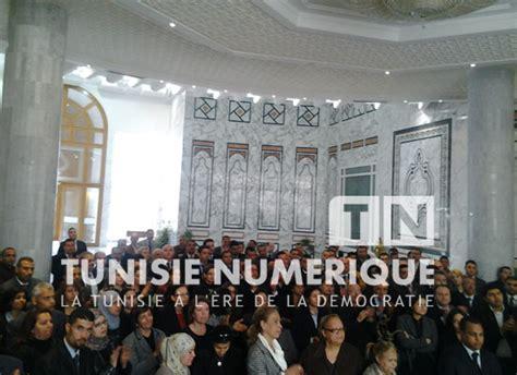 bureau du travail tunisie vidéo reportage photos tunisie des fonctionnaires du