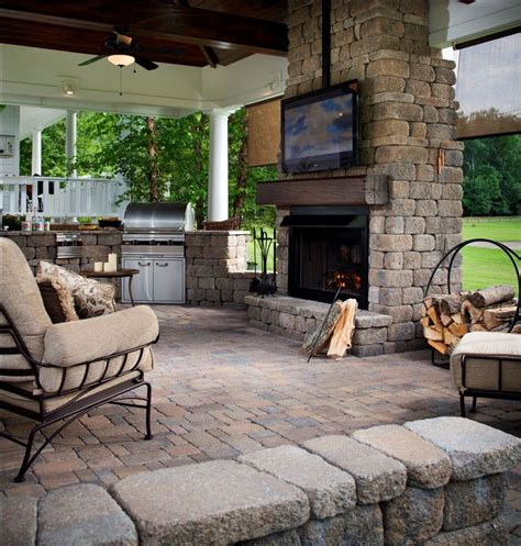 backyard entertainment best 25 outdoor entertainment area ideas on