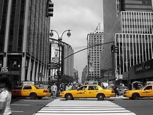 Schwarz Weiß Bilder Mit Farbe Städte : schwarz weiss foto mit farbeffekt new york gedruckt auf foto leinwand farbklecks ~ Orissabook.com Haus und Dekorationen