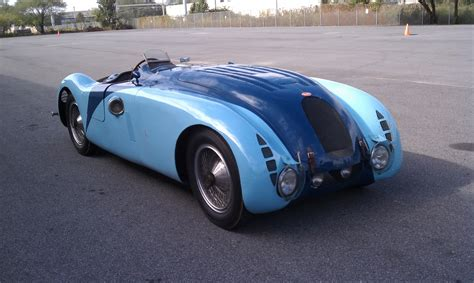 Bugatti designed the type 57 as a production car and as a racing variant, the ultimate grand jean bugatti had the second atlantic made for himself. Type 57 slideshow :: autoviva.com