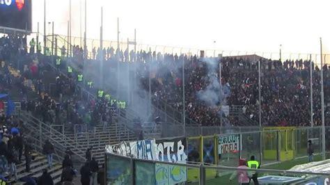 atalanta roma ultras roma lanciano fumogeni contro