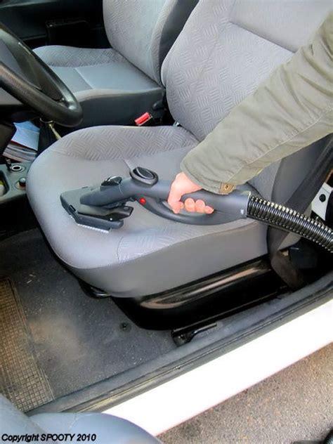 nettoyage siege auto tissu vapeur nettoyer une voiture avec un aspirateur nettoyeur vapeur