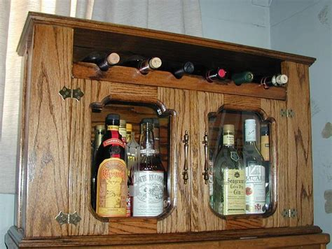 Diy Locked Liquor Cabinet by Carpentry Projects