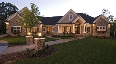 five bedroom traditional house plan