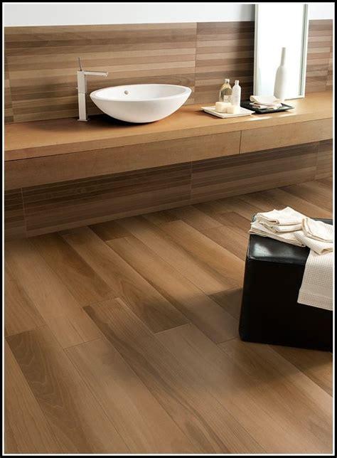 Fliesen In Holzoptik Badezimmer  Fliesen  House Und