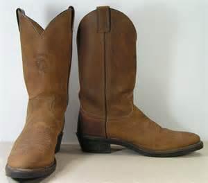 womens boots vs mens chippewa cowboy boots mens 9 5 b brown by vintagecowboyboots