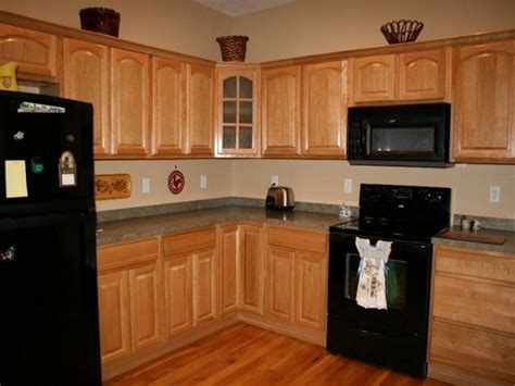 kitchen paint colors with light oak cabinets kitchen paint colors with light oak cabinets oak kitchen 9819