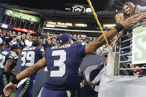 seattle seahawks  attempt world record  ers
