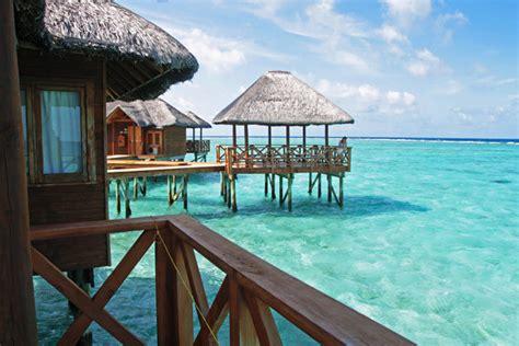 chambre sur pilotis maldives hôtel fihalhohi resort villas sur pilotis maldives