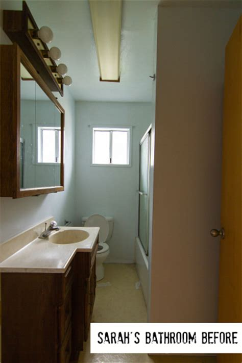 ideas for tiny bathrooms how made small bungalow bath look bigger