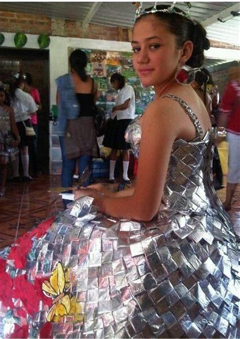 nombres vestidos en material reciclable imagui reciclaje pinterest upcycling