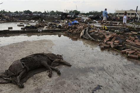 tornado damage  moore oklahoma