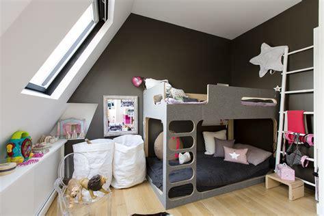 chambre dans les combles photos une chambre d enfant dans les combles maison travaux