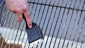 Comment Nettoyer Une Grille De Barbecue Tres Sale : comment bien nettoyer la grille de votre barbecue c t maison ~ Nature-et-papiers.com Idées de Décoration