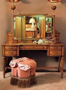 Italienische Möbel Klassisch : die klassischen italienischen m bel provasi schminktisch furniture italienische m bel ~ Pilothousefishingboats.com Haus und Dekorationen