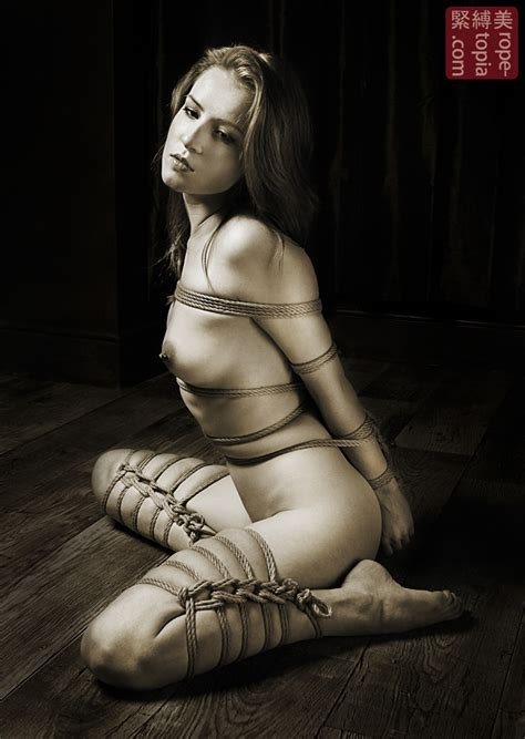 Scarlot Rose shibari bondage shoot from 2012 – RopeTopia