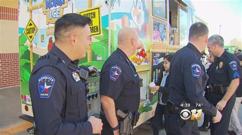 foto de Mesquite Police Share Sweet Surprise With Students YouTube