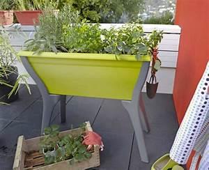 Jardiniere Sur Pied Plastique : bac sur pieds pour plantes aromatiques balcon leroy merlin ~ Dode.kayakingforconservation.com Idées de Décoration