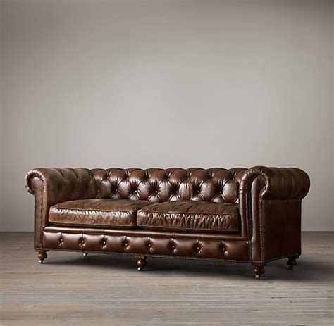 canapé anglais chesterfield canapé chesterfield astoria en cuir capitonné 3 places
