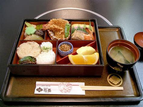 box cuisine file bento at hanabishi koyasan jpg wikimedia commons