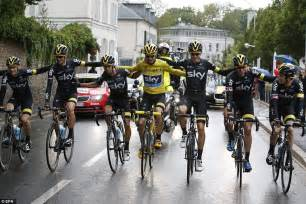 chris froome claims historic  de france victory