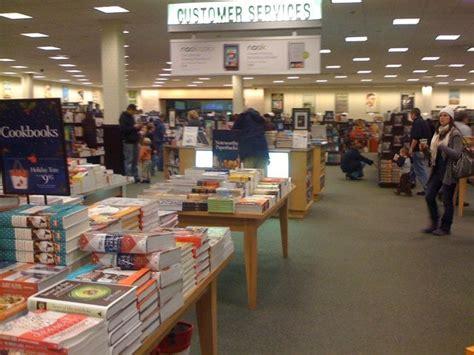 barnes and noble silverdale barnes noble 14 reviews bookshops 3108 nw randall
