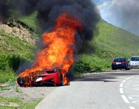 The lamborghini diablo is a coupe. WWW.EMOCIONALVOLANTE.BLOGSPOT.COM: LOS FERRARI 458 ITALIA LOS QUEMA EL DIABLO