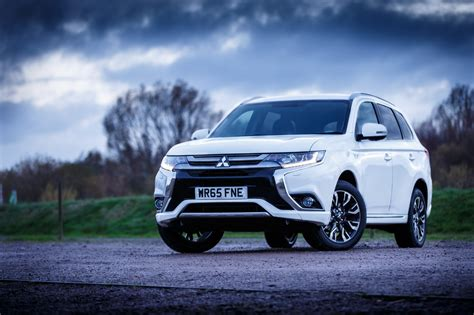 Mitsubishi Outlander Sport 4k Wallpapers by Mitsubishi Outlander Phev Wallpapers Images Photos