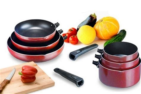 arts et cuisine lot de 3 casseroles ou 3 poêles cuisine pas chère à 29