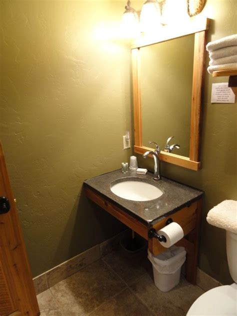 photos of handicapped accessible bathrooms