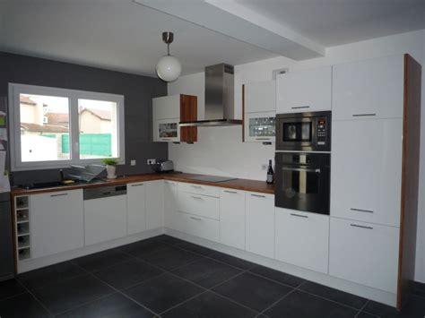 deco cuisine blanc et 20 idées déco pour une cuisine grise decocoolcom meubles