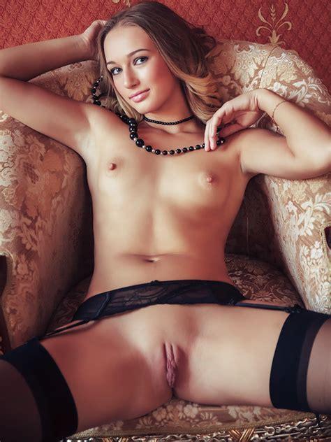 Showing Porn Images For Ipixler Yvm Daphne Irina Porn