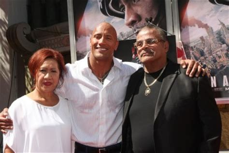 dwayne the rock johnson ethnic background dwayne the rock johnson ethnicity of what