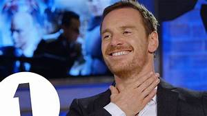 """Right in the throat!"" - Michael Fassbender got SHOT ..."