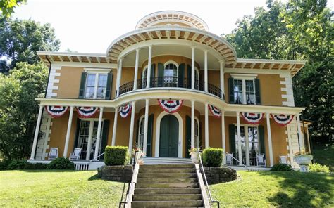 historic mansions   ohio river
