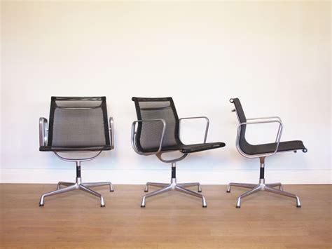fauteuil de bureau eames eames vintage fauteuil bureau aluminium chair