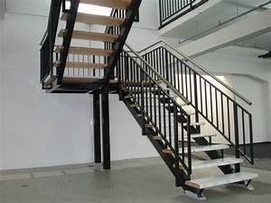 Treppe Geölt Oder Lackiert : 8punkt8 ~ Markanthonyermac.com Haus und Dekorationen