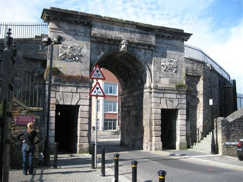 bishops gate   derry city walls photo