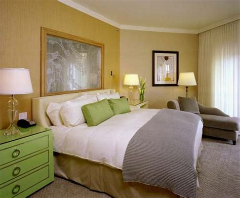 tips  choose   paint colors  comfortable master bedroom