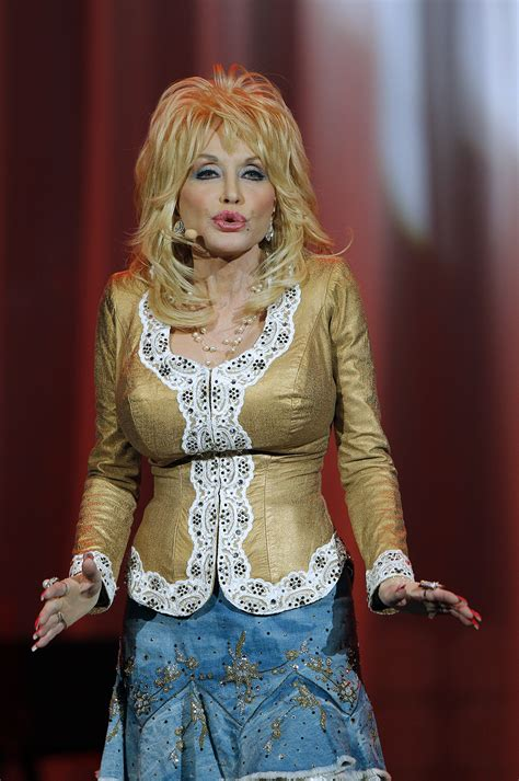 dolly parton dolly parton rediscovers her roots at the ryman concert review music industry forum